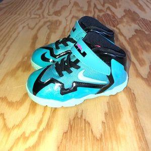 sports shoes 2d56c 737ee Nike · Nike Lebron XI 11 South Beach